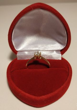 Złoty pierścionek zaręczynowy z diamentem rozmiar 13 zaręczyny brylant