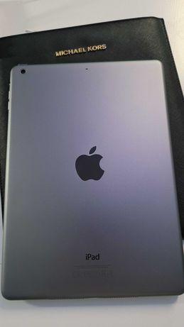 iPad 2 Air A-1474 16 GB stan idealny + pokrowiec Michael Kors