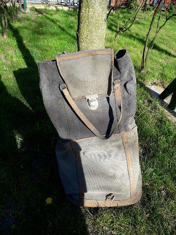 Stary plecak z PRlu