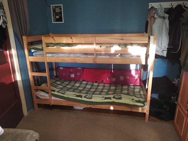 Продается двоярусна кровать