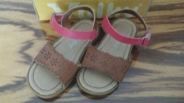 Sandálias de menina 25