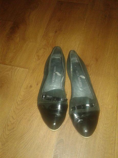 Туфли замшевые с лаковым носком