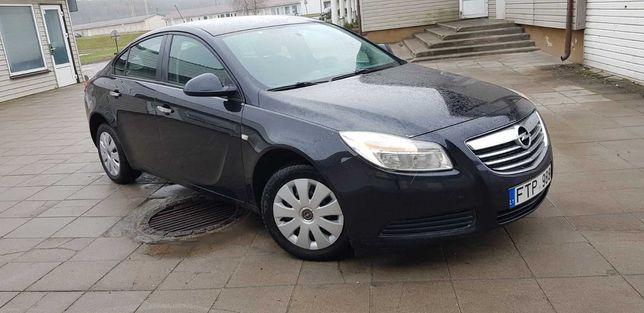 Opel insignia 2011 года. 1.8 бензин. 103 kW. 140 Л.С. Седан