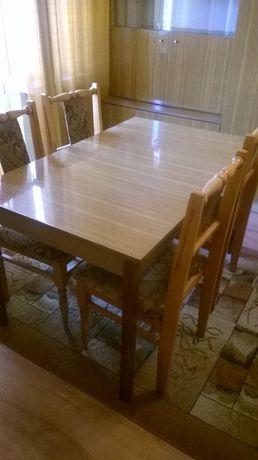 Sprzedam używany stół z krzesłami