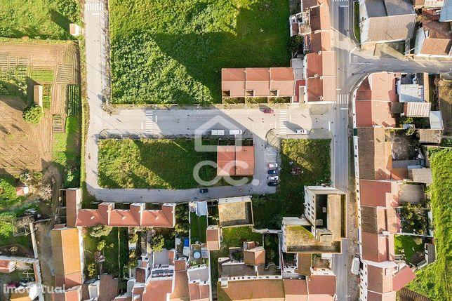 Terreno urbano com 174 m2, para construção de moradia unifamiliar | Vi