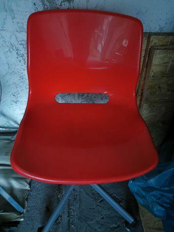 Krzesło obrotowe czerwone Ikea