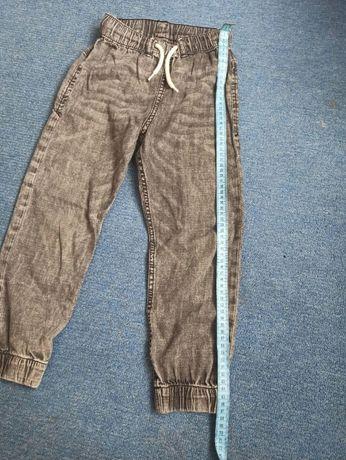 продам детские джинсы на мальчика