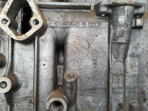 Блок цилиндров с крышкой сцепления  и передней крышкой ЗМЗ402