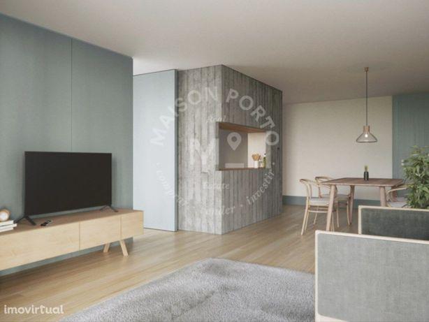 Fantástico Apartamento T2 com Arrumos em Campanhã, Porto