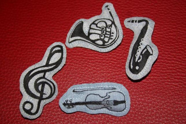 Musica Alfinete ou iman em tecido pintado