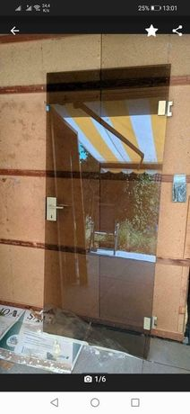 Drzwi szklane, przyciemniane
