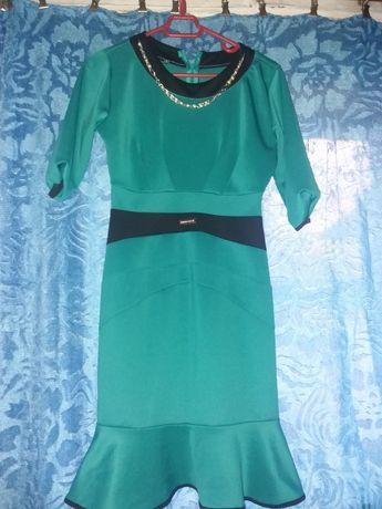 платье бирюзового цвета 42-44р