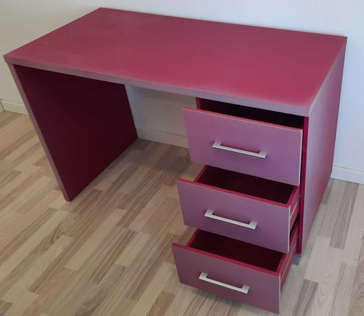 Secretária escritório rosa