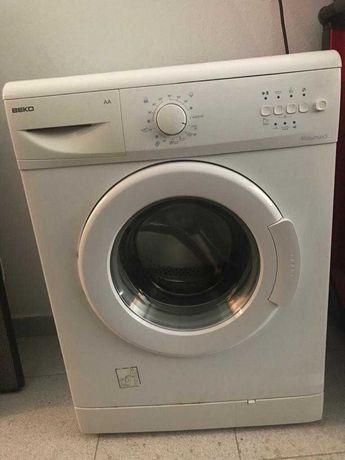 Máquina de lavar Roupa - 5kg