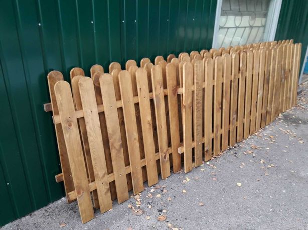 Забор деревянный, декоративный штахетник