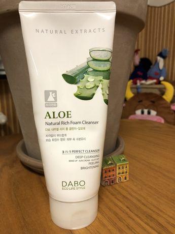 Пінка для вмивання Dabo Natural Rich Foam Cleanser Aloe