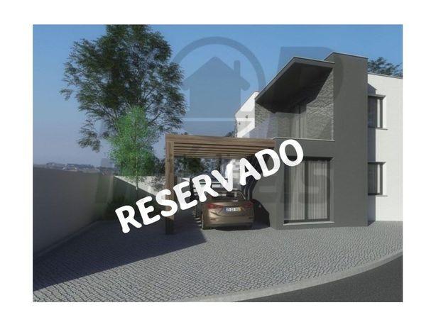Moradia nova T3 contemporânea - 215.000€