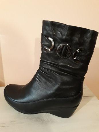 Взуття, чобітки зимові