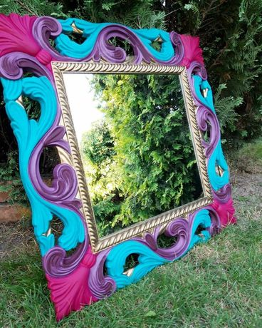 Kolorowe lustro z ramą