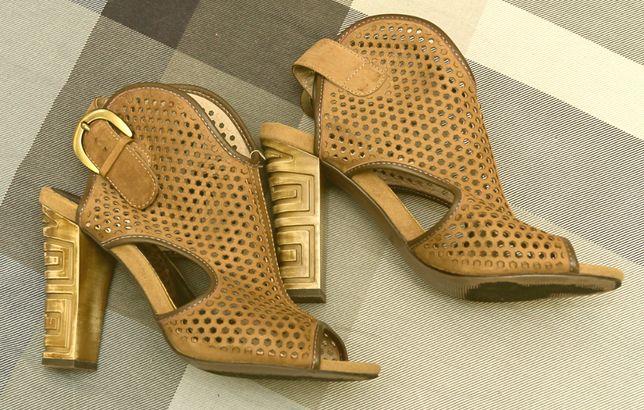 Босоножки женские кожаные
