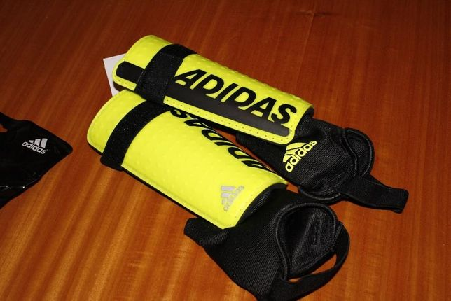 Caneleiras Futebol - Adidas (novas)