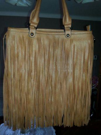 Modna torba z fredzlami