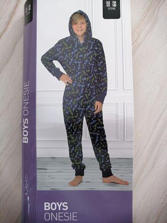 Piżama kombinezon chłopięcy
