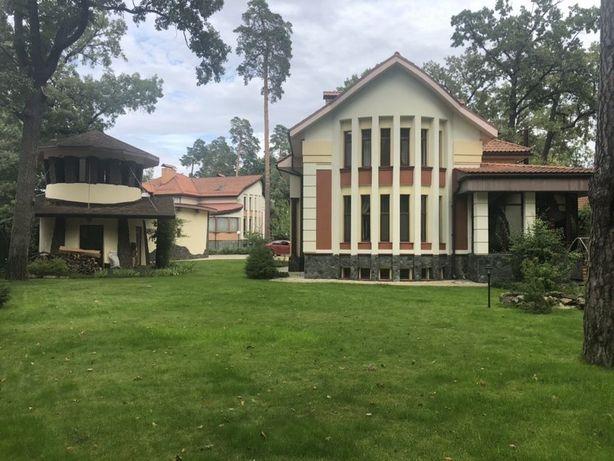 Аренда просторного дома в коттеджном городке в Пуще-Водице