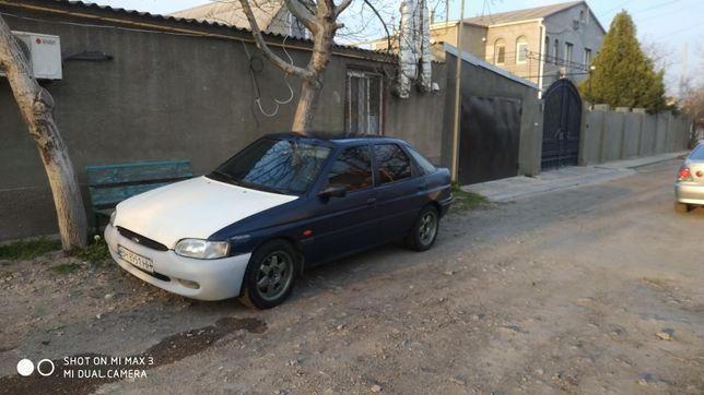 Продам ford escort 96 газ бензин срочно