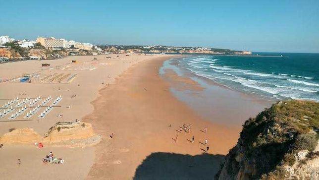 T0 na praia da rocha a 150 metros do areal - Agosto