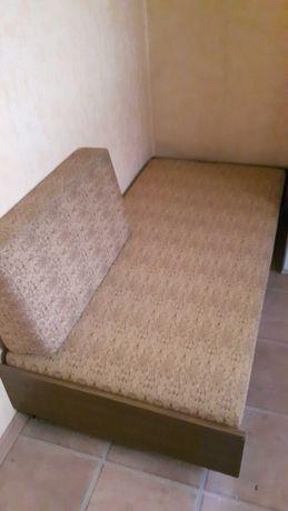 Tapczan jednoosobowy łóżko sofa