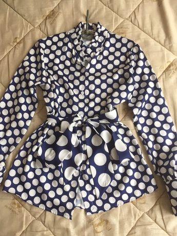 Блуза в горох с поясом