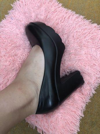 Женские  туфли в офис / школу