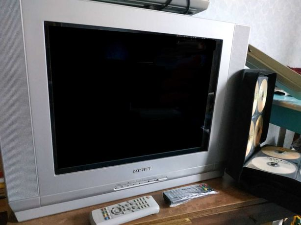 Телевизор, DVD-плеер и диски