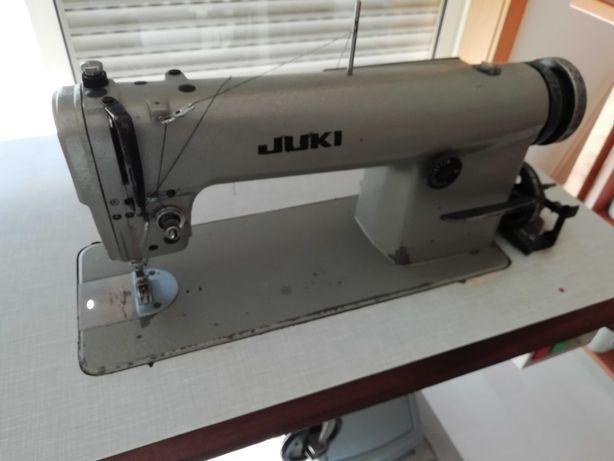 Máquina de costura com duplo arrasto
