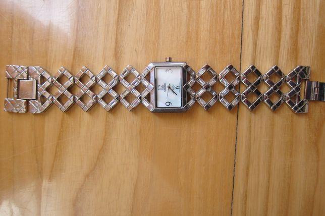 Zegarek damski Kessaris