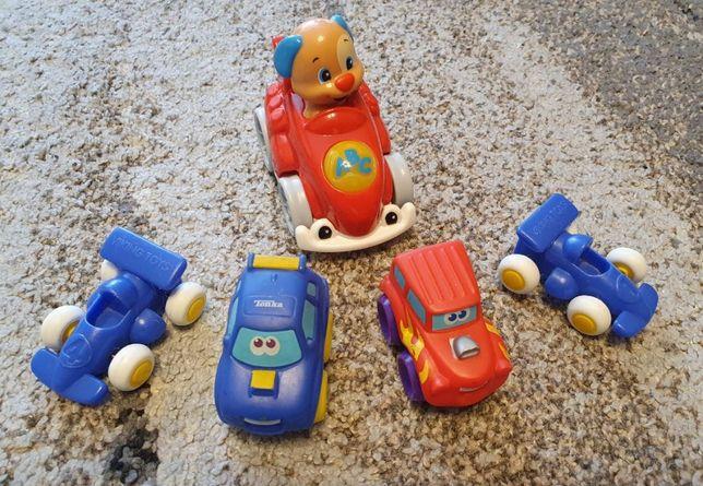 Zestaw różnych autek