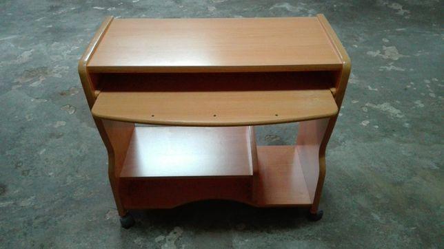 Secretária para Computador (Desktop)
