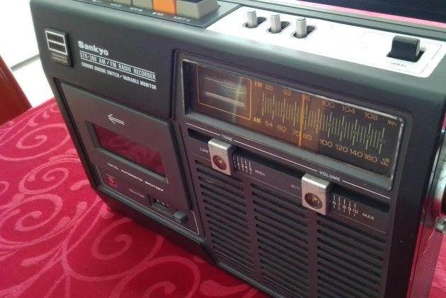 Rádio SANKIO, fabricado no Japão