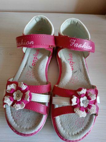 Sandałki na dziewczynkę 31r. 2 pary.
