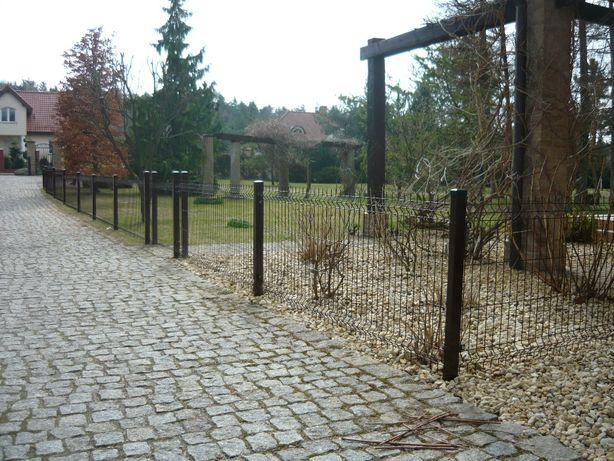 Ogrodzenia, SIatka ogrodzeniowa. panele