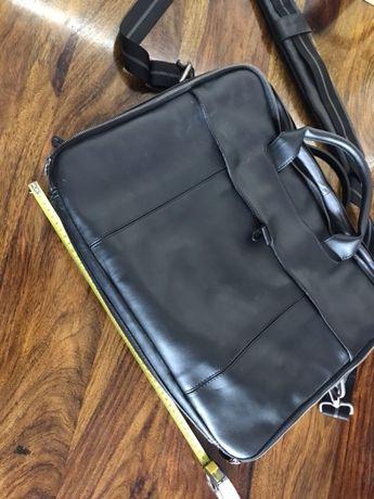 Dell, b.duża i funkcjonalna torba do laptopa i na dokumenty.