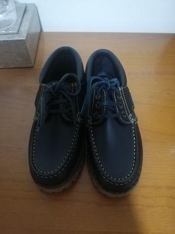 Sapatos novos a estrear Tiffosi