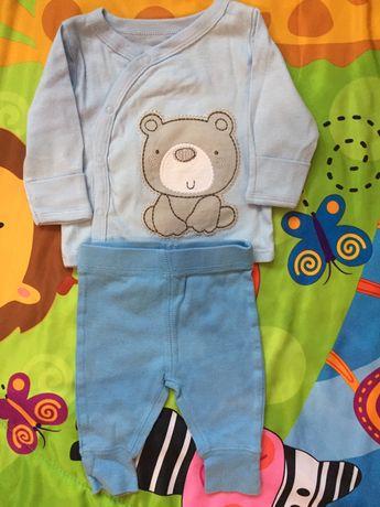 Новая распашонка и штанишки для новорожденного