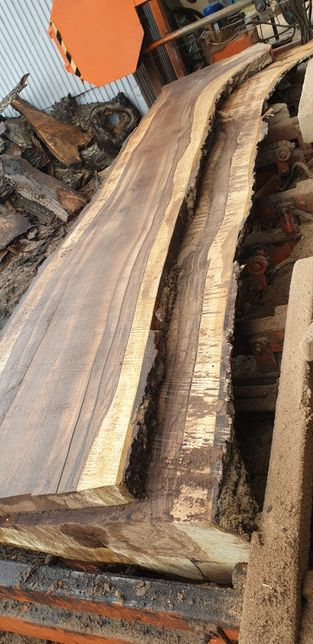 orzech włoski suchy sezonowany mokry deski foszty stół z żywicy loft