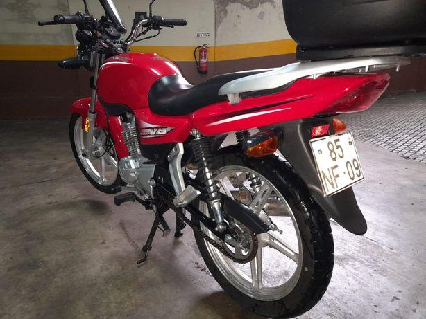 Moto 125 cilindradas