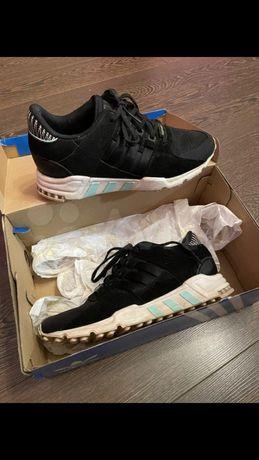 Женские кроссовки adidas eqt