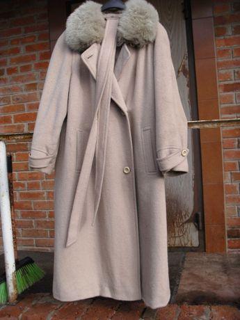 пальто из ламы 46-48