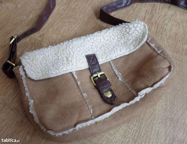 Mała torebka imitacja owczej wełny