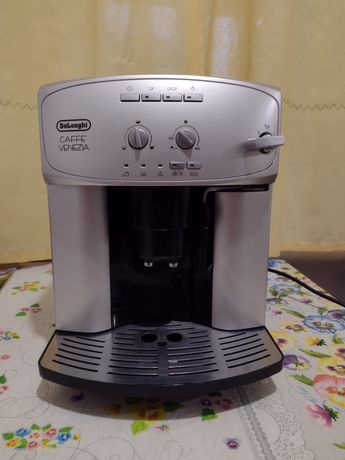 Автоматична кавоварка Delonghi